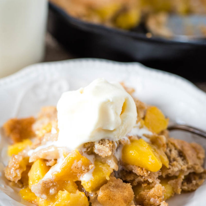Old-Fashioned Bisquick Peach Cobbler
